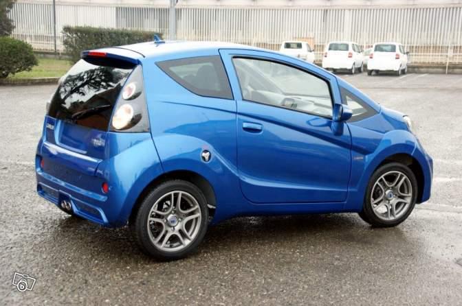 Minicar: è boom in Italia
