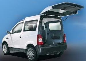 Mini-furgoni e pick-up per il lavoro e per il tempo libero