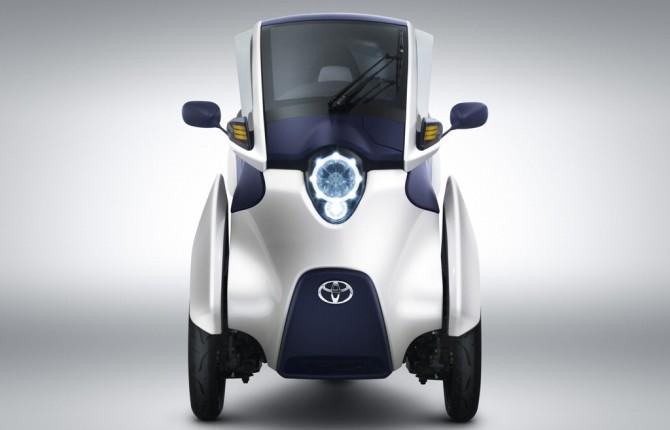 Nuova iRoad Toyota